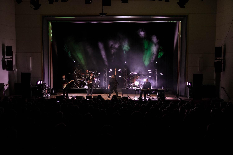 genesis-tribute-show-coverband-wittenberge-kulturhaus-festspielhaus-brandenburg-prignitz-phil-collins-peter-gabriel-berlin-geneses-04