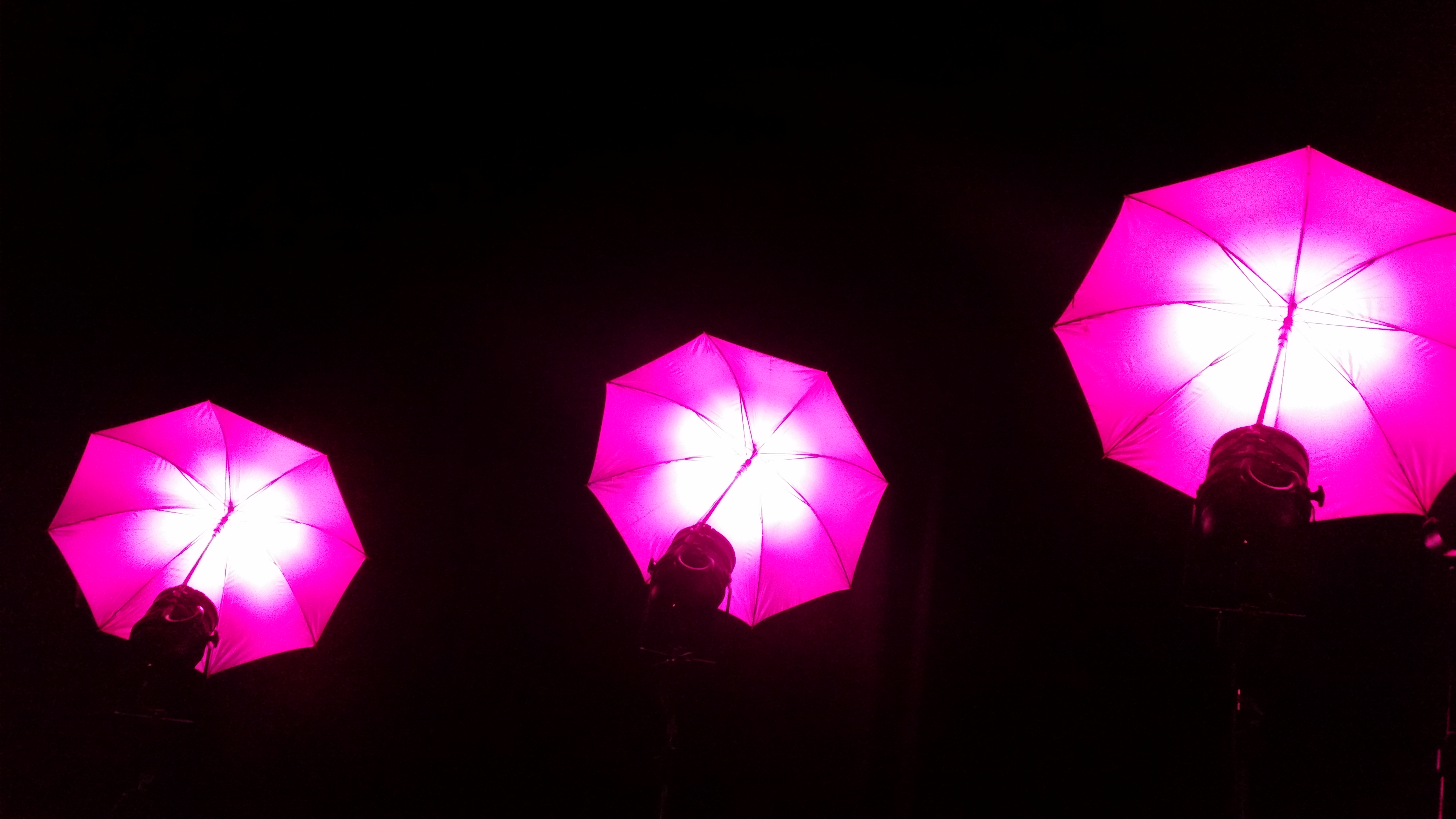 Neue LED Schirme als Designelemente 7